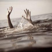 Чоловік залишив дружину на лайнері, який йшов на дно — в рятувальній шлюпці було лише одне місце