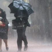 Грози, місцями град: на Прикарпатті оголосили штормове попередження