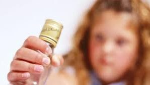 На Тернопільщині 13-річна дівчинка отруїлася алкоголем