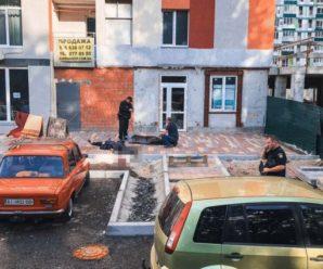 Поверталась з роботи до дому та так і не дійшла: У Києві трагічно загинула жінка