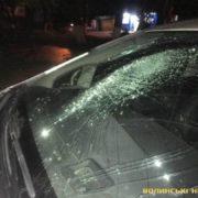 У Луцьку побили машину патрульних (ФОТО)