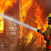 На Франківщині через замикання згоріли два будинки