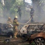 Вогняна помста за чесність: у Києві спалили 6 авто одне з яких належало відомому активісту