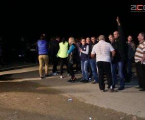 Дорожній протест тривав цілу ніч. Люди обіцяють безстрокову акцію, поки не розпочнеться ремонт дороги (ФОТО)