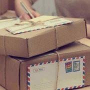 Вже з нового року українцям доведеться платити податок за посилки: пошта лякає колапсом