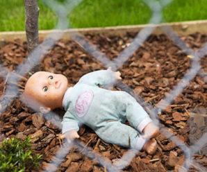 Невідома жінка залишила дитину серед вулиці та втекла