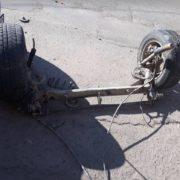 У Чернівцях водій іномарки залишився без задніх колес (ФОТО)