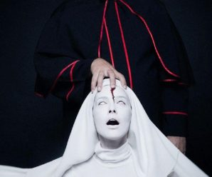 Кривавий пастор і мертва черниця: Потап і Даша Астаф'єва перевтілилися до Геловіну (фото)