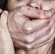 Зґвалтування 15-річної дівчинки на Прикарпатті: у суді підозрювані не визнали вини (відео)