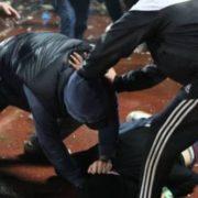 У Франківську біля ресторану побилися компанії п'яних чоловіків
