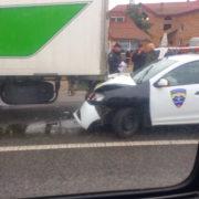 На Прикарпатті автомобіль поліції охорони протаранив фуру (фото)