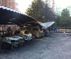 В Одесі невідомі підпалили автомобілі