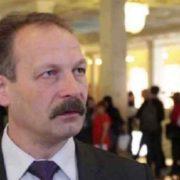 """""""Послав не журналіста, а Коломойського"""": Нардеп Барна виправдовується за скандальний вчинок"""
