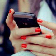 Українцям хочуть заборонити користуватися мобільником: Що ж чекає на громадян