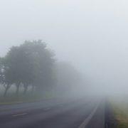Синоптики попереджають про сильний туман в Україні: назвали області