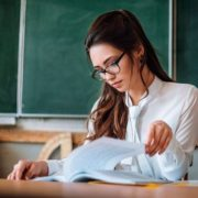 Звернення молодого вчителя, який зневірився довести актуальність у житті свого предмета