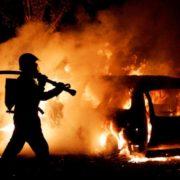На Прикарпатті за добу – дев'ять пожеж, горіли авто та літня кухня