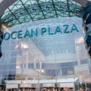 """""""Захоплений"""" націоналістами ТРЦ Ocean Plaza заповнив дим: що відбувається"""