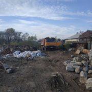 У Бистрицю скидали тонни будівельного сміття