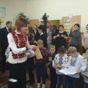 Марина Порошенко на Прикарпатті: Перша леді завітала до франківської школи №1 (фото)