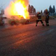 На Прикарпатті посеред дороги загорівся ВАЗ (ФОТО)