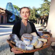 Заробітчанка з Чортківщини мріє відкрити сироварню, як в Італії