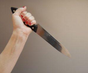Стала на бік зятя: на Прикарпатті жінка напала на свою матір з кухонним ножем
