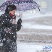 На вихідні в Україні очікується сніг із морозом
