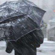 Погода на тиждень: дощі та ожеледиця не найстрашніше, українців попередили про «перший yдap»