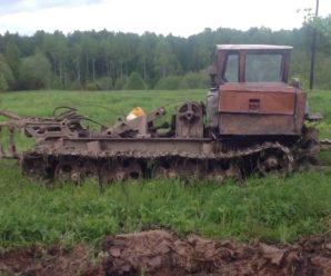 У Надвірнянському районі чоловіка затиснуло в кабіні трактора