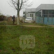 У Франківську легковик вилетів з дороги і врізався у паркан (ФОТО)