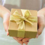 Щоб чоловік був щасливий і жінку любив, треба знати що можна, а що не можна дарувати
