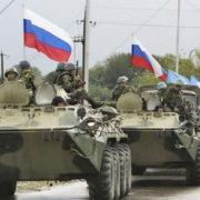 Росія стягнула до кордону з Україною 80 тисяч військових, – радник голови МВС