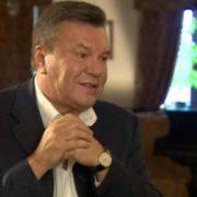 """""""Не може рухатися"""": Адвокат Януковича прокоментував його стан"""