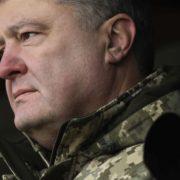 Росія розгорнула навколо України угруповання чисельністю 80 тисяч військовослужбовців – Порошенко