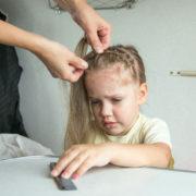 Вікові кризи в житті дитини: як розпізнати та чим зарадити?