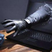 Інтернет-шахраї виманили в надвірнянця 32 тисячі гривень
