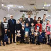 У Франіквську польська делегація вручила подарунки дітям учасників АТО (фото)