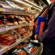 У Франківську поліцейські охорони затримали магазинного крадія