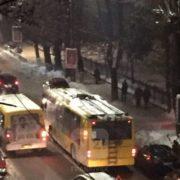 У Івано-Франківську ввечері трапилася ДТП за участю тролейбуса