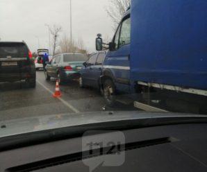 Масштабна ДТП в Івано-Франківську: в аварію потрапили одразу п'ять автівок. ФОТО