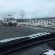 У Тисменицькому районі на дорозі знайшли тіло чоловіка (ФОТОФАКТ)