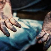 Він прийшов на співбесіду в брудному одязі і з руками в мастилі. Але саме це допомогло йому отримати цю посаду