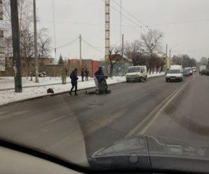 У Франківську на Бандери під колеса авто потрапила іноземка