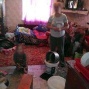 На Прикарпатті у матері, яка зловживає алкоголем, вилучили 6-річну дитину