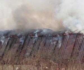 В Хриплинській промзоні горить склад