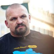 Богатир Василь Вірастюк пірнув в ополонку зі штангою. ВІДЕО