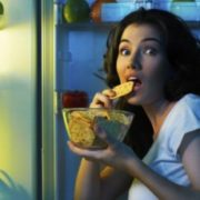 10 порад, як перестати їсти на ніч