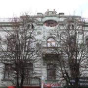 У Франківську жителів з аварійного будинку «Пасажу Єгера» тимчасово поселили у готель