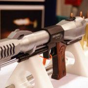 Пістолет, віддача якого може поламати руки (4 фото + відео)